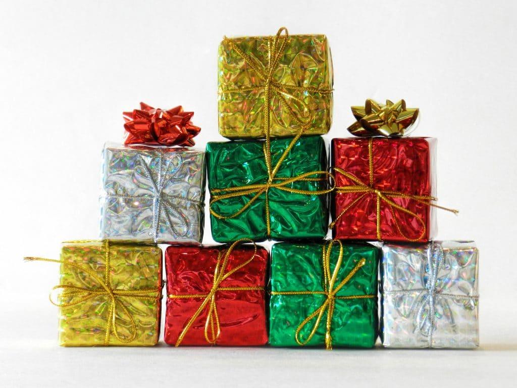 morguefile-DSCN5786-holiday-gift-boxes.jpg