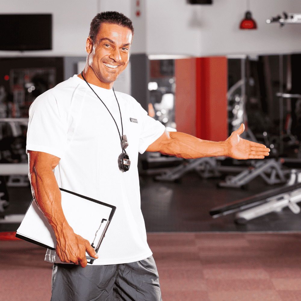 personal-trainer-leading-gym-tour